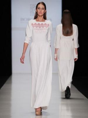 Белое длинное платье 2016