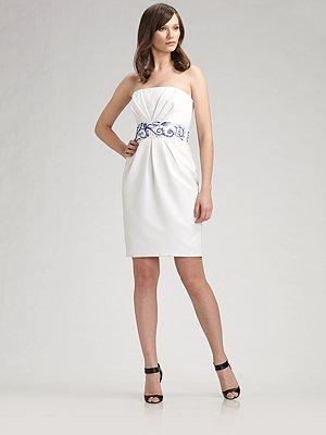 Белое платье 2016 с декольте