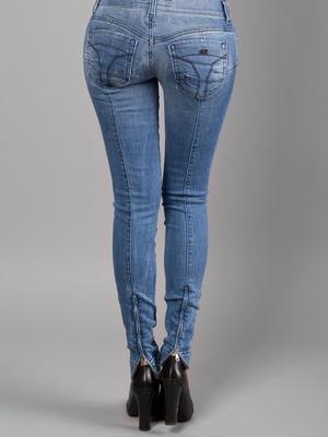 Модные джинсы с вертикальной отстрочкой осень-зима 2015-2016