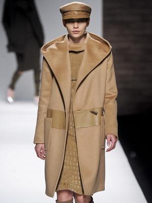 Драповое пальто в комбинации с кожей 2015-2016