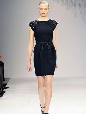 Как выбрать черное платье