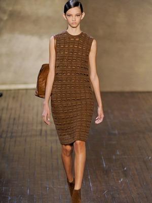 Осенний образ вязанного платья 2015