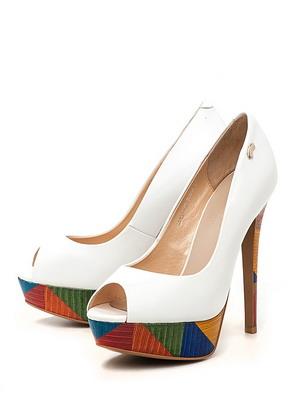 Оригинальные белые туфли