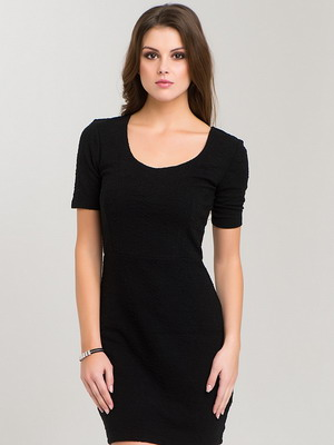 Маленькие короткие черные платья