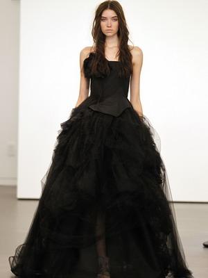 Пышные черные платья длинные