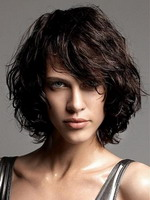 Каскад на волнистых волосах