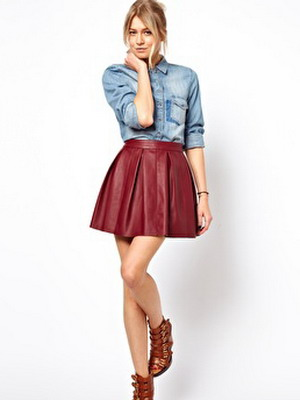 Модная юбка из красной кожи сезона 2016