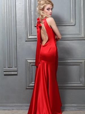 Красное платье из атласа 2016