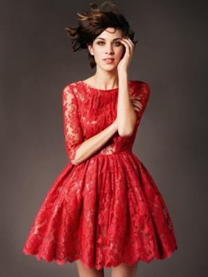 Красное платье из кружева 2016