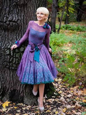 Трикотажное кружевное платье 2016