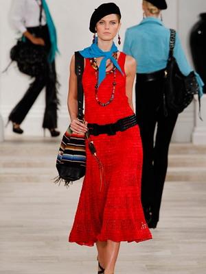 Модное трикотажное платье 2016