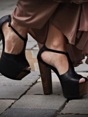 Туфли на высоком толстом каблуке 2016