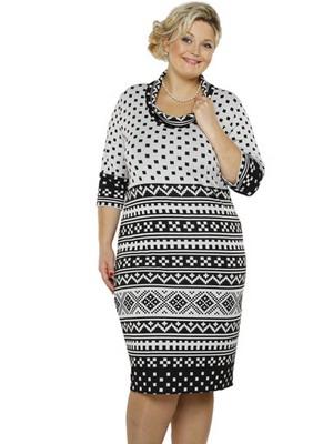 Платье для полных с графическим принтом