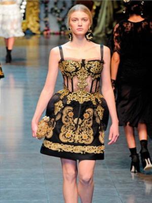 Модное вечернее платье в русском народном стиле