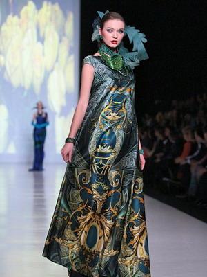Вечерний вариант платья в народном стиле