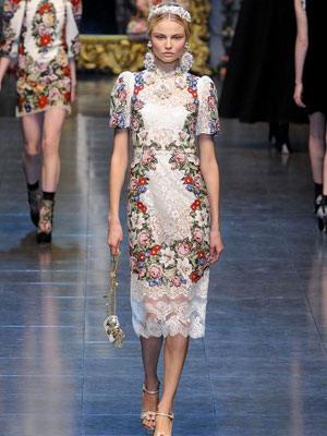 Платье в русском народном стиле с модных показов