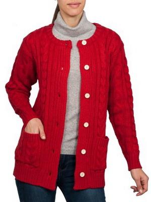 Красная кофта на пуговицах