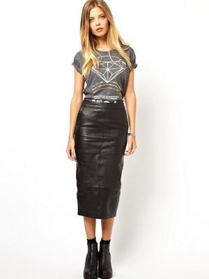 Кожаная юбка в классическом стиле