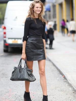 С чем сочетать кожаную юбку