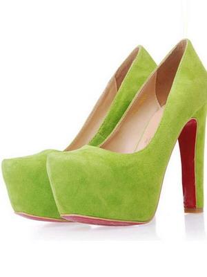 Салатовые замшевые туфли