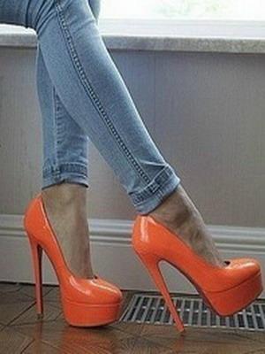 Модели туфель оражевого цвета