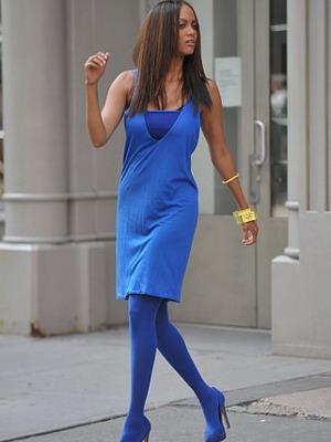 С чем носить синие колготки? фото
