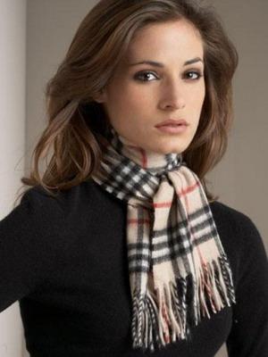 Как стильно носить и завязать шарф