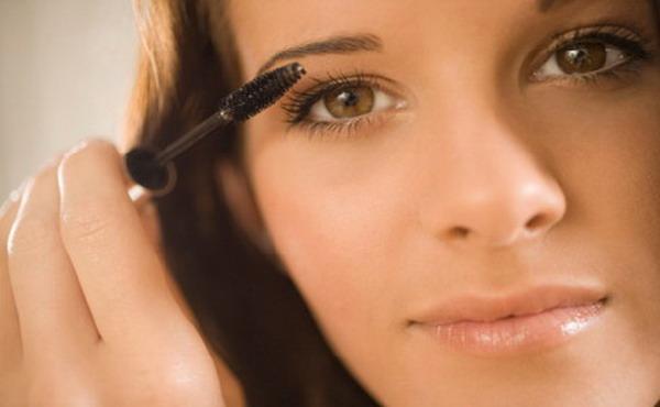 акценты в макияже для обладательниц карих глаз