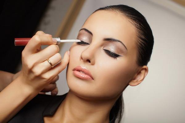 техника макияжа для девочек с карими глазами