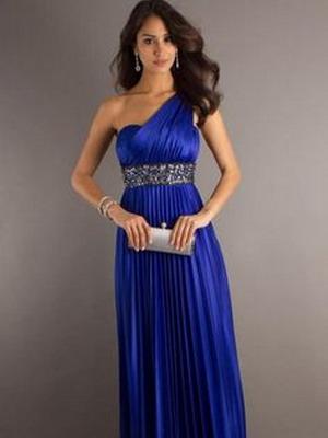 Какая обувь сочетается с синим платьем