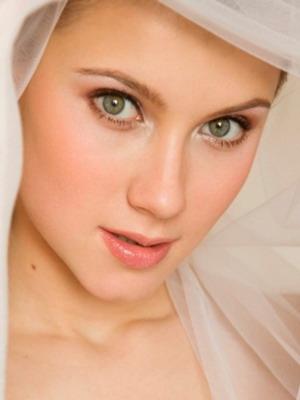 Свадебный макияж для  брюнеток с зелеными глазами