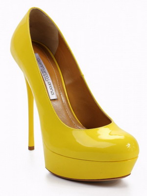 Туфли на каблуках желтые