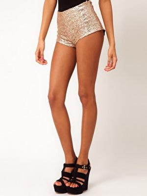 Короткие высокие модели женских шорт