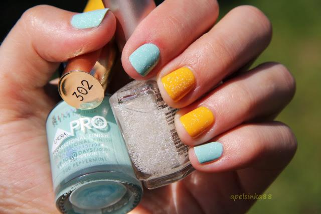Как накрасить ногти противоположными цветами