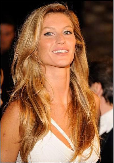 Золотистый оттенок брондирования волос