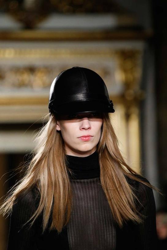Шикарная меховая шапка на зиму 2015