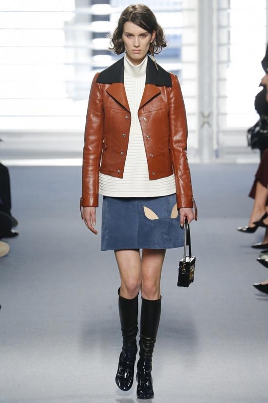 Коричневая куртка модная