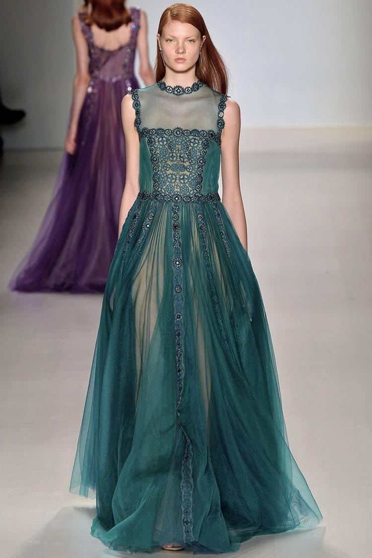 Платье для грушевидной фигуры
