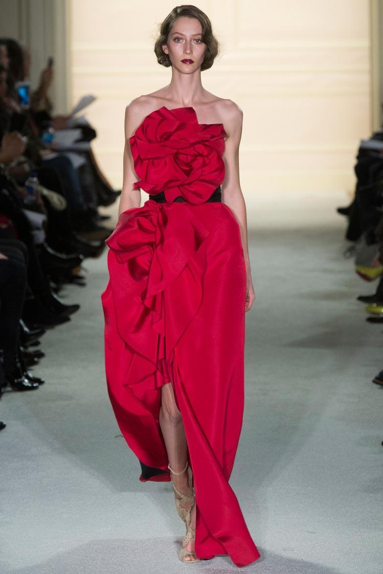 Красное платье на Новый год 2016