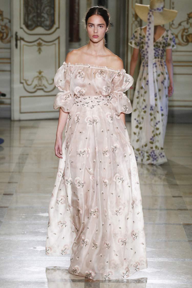 Воздушное платье на весну-лето 2021