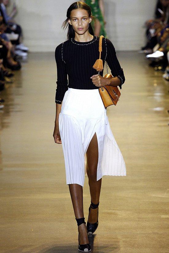 Складки-плиссе в моде весной летом 2016