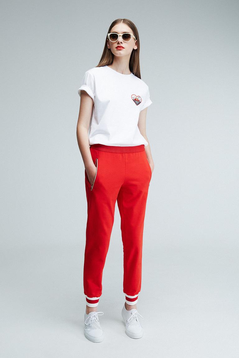 Женские красного цвета брюки весна-лето 2016 года