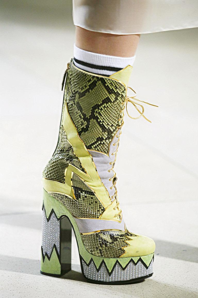 Модная обувь на шнуровке весна 2016