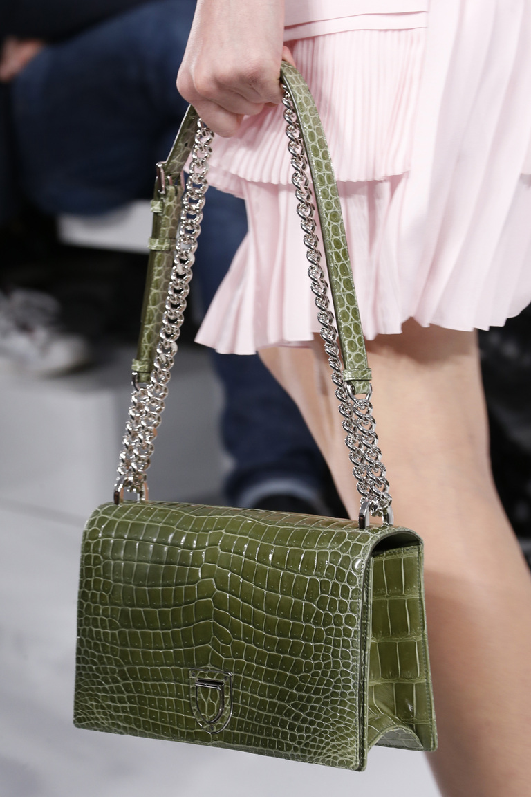 Зеленый принт сумки весна лето 2016