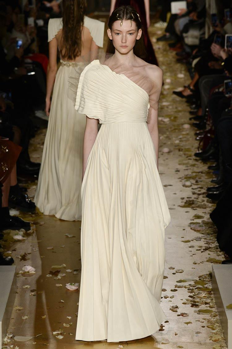 Асимметричная модель выпускного  платья 2016