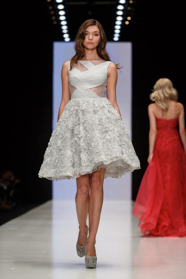 Короткое белое платье на выпускной