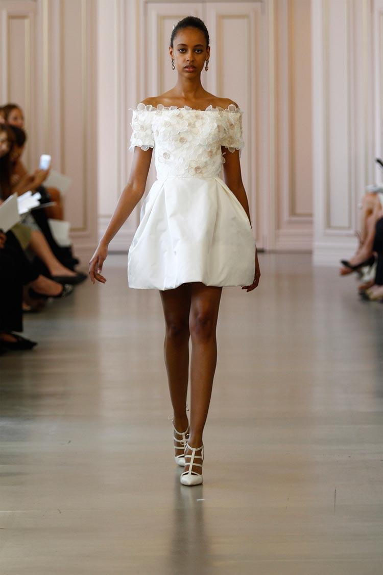 Белое короткое выпускное платье 2016