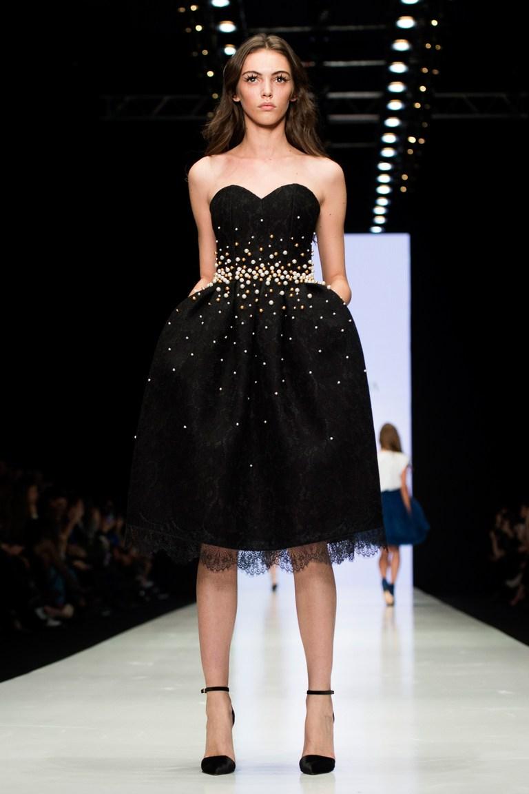 Маленькое короткое черное платье на выпускной 2016