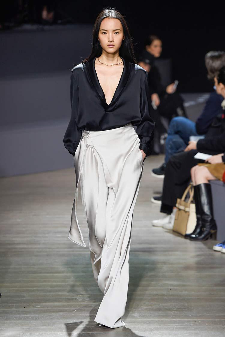 Модная блуза с овальным вырезом весна-лето 2016