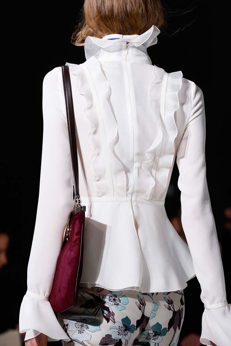 Модная блуза с рюшами весна-лето 2016